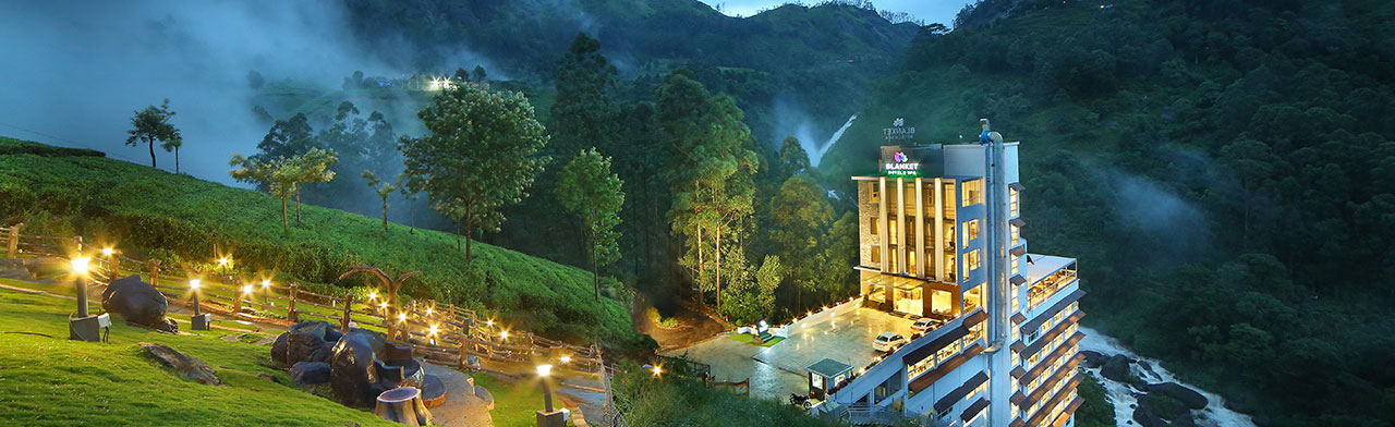 best 5 star hotels in munnar