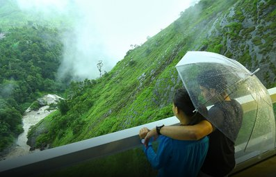 munnar luxury resorts